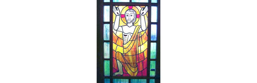 Der Auferstandene - Glasbild aus der Pestkapelle Stiefenhofen (Ausschnitt)