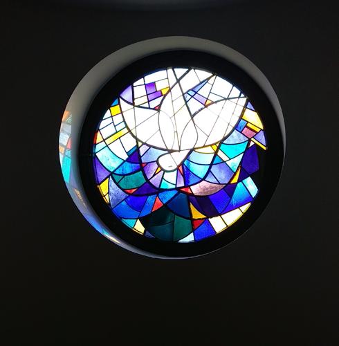 Fenster in der Taufkapelle der Herz-Jesu-Kirche
